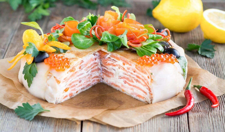 Торт с рыбными закусками