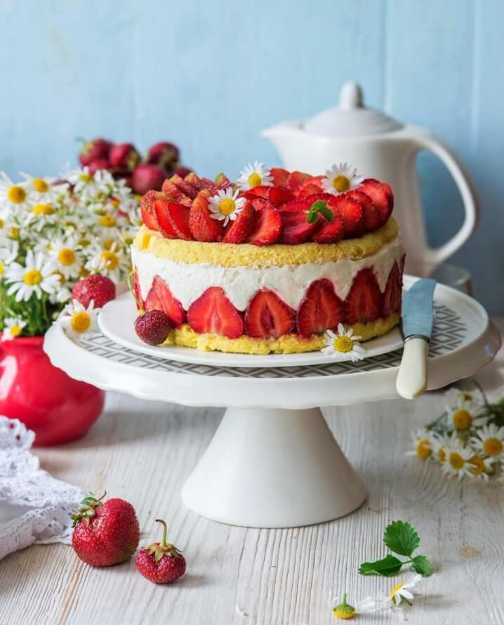 Как готовить клубничный торт