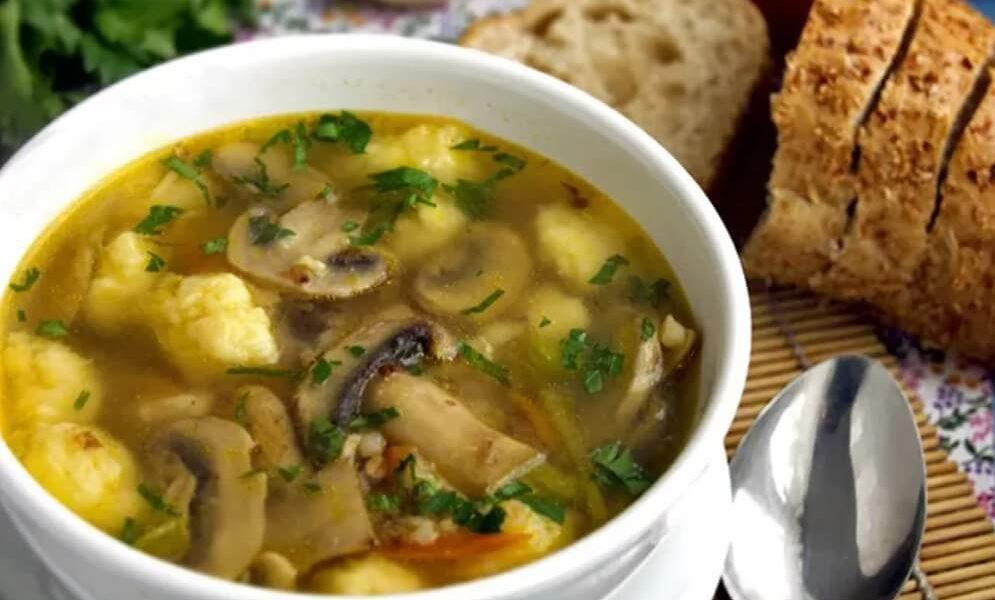 Суп грибной с горошком